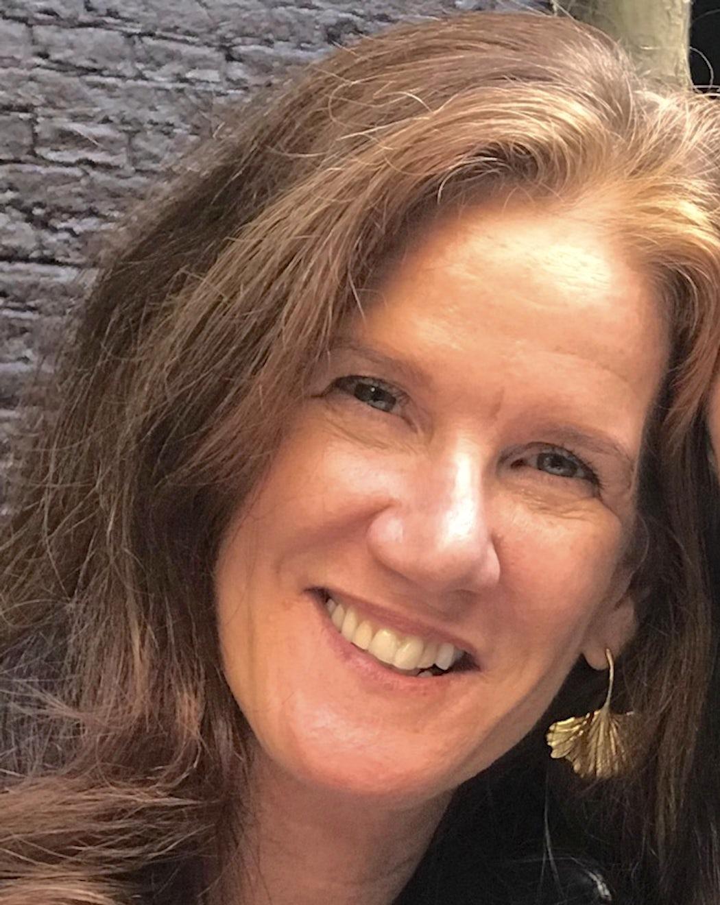 Mary Renwick headshot