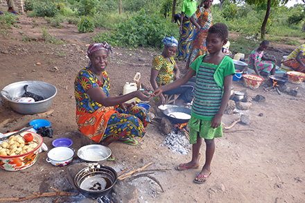 Lewaa Sansan sells fried bean-cakes to increase her family's income.