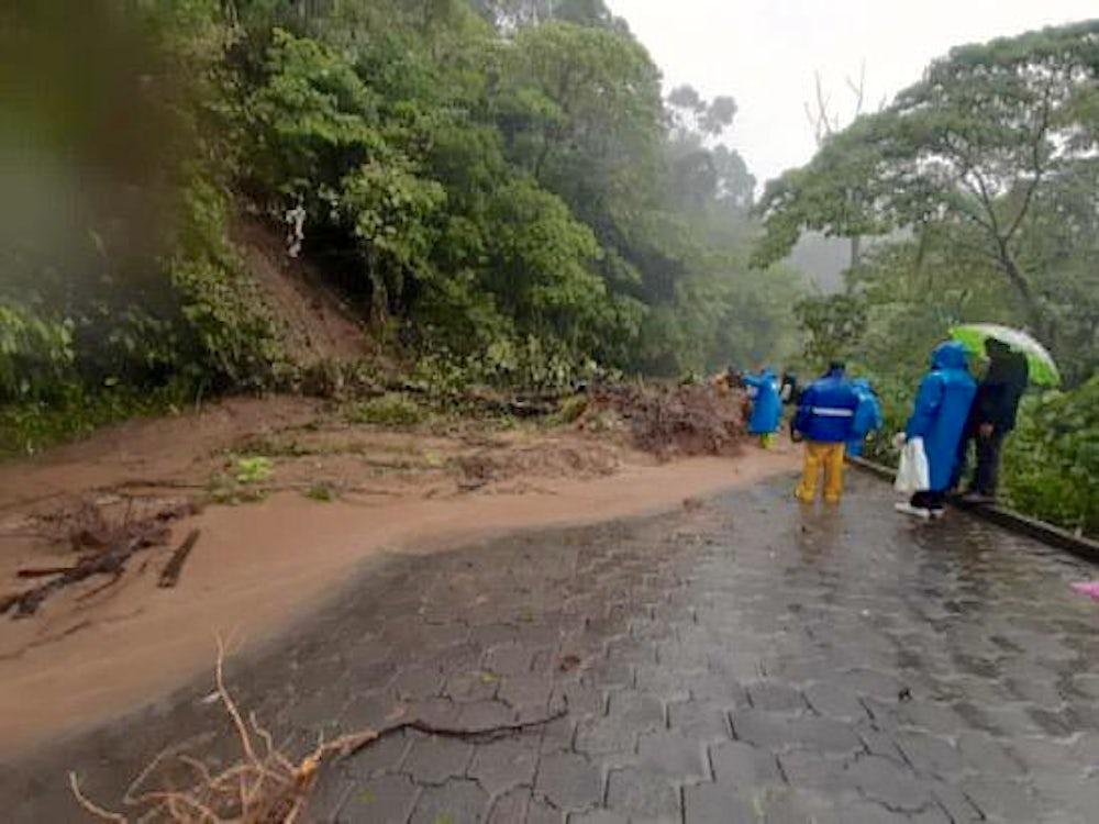 A landslide on the road to La Dalia, Nicaragua. Photo by Yaribell Rocha, Heifer Nicaragua program and communication assistant.