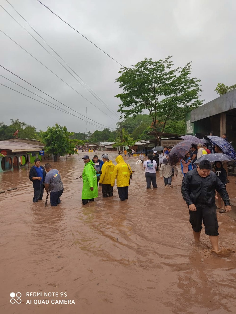 Residents of Waslala, a town and municipality in Nicaragua's North Caribbean Coast Autonomous Region, wade through flood waters caused by Hurricane Iota.Photo by Yaribell Rocha, Heifer Nicaragua Program and Communication Assistant