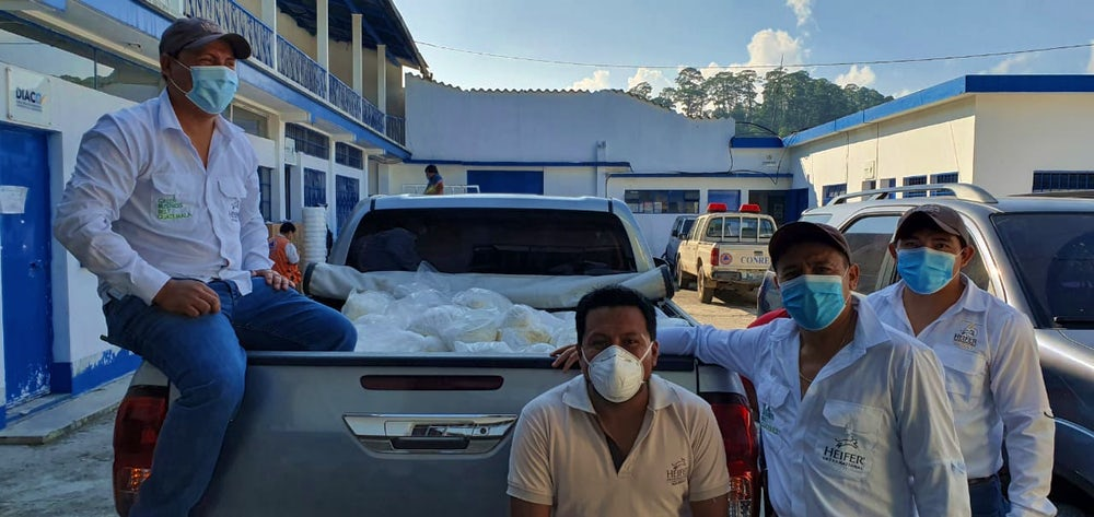 Heifer Guatemala staff are supporting emergency relief efforts in the wake of Hurricanes Eta and Iota. Image by Gerson Coy.